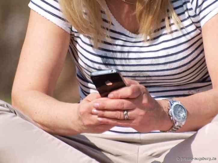 Bundesregierung begrüßt Einreisende per SMS