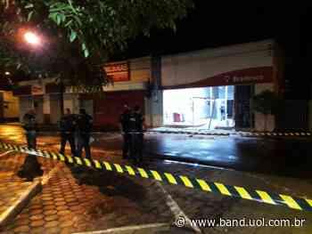 Quadrilha explode agência bancária na cidade de Pitangueiras - Band Jornalismo