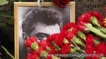 Opposition inRussland: Moskau: Gedenken an ermordeten Nemzow und Preis für Nawalny