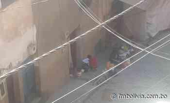 Chulumani: Maestros y alumnos pasan clases en las calles, no tienen condiciones para la educación virtual - Radio FmBolivia