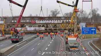 Bau der Autobahn-Behelfsbrücken am Kreuz Braunschweig Süd