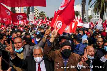 Islamist party supporters march for unity in Tunisia