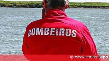 Bombeiros resgatam jovem surfista de praia em Vila do Conde - Correio da Manhã