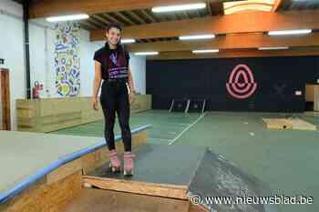 """Mary (25) brengt een streepje positiviteit de stad met nieuw skatepark: """"Rolschaatsen heeft me zelf gered"""" - Het Nieuwsblad"""