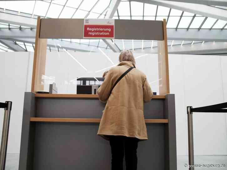 Umfrage: Knappe Mehrheit lehnt Lockerungen für Geimpfte ab