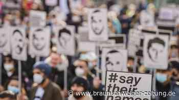 Fehlende Freigabe: Projekte gegen Rechtsextremismus und Rassismus blockiert