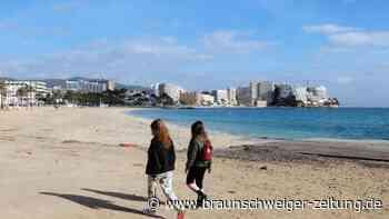 Tourismus: Impfpass und Schnelltests: Ist ein Sommerurlaub möglich?