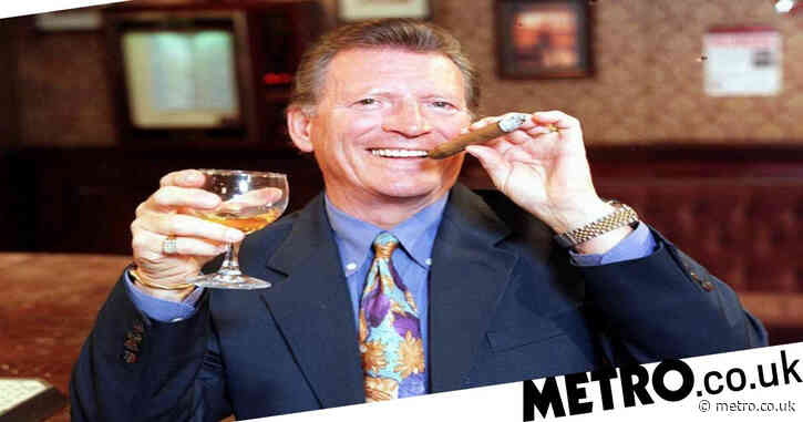 When did Johnny Briggs play Mike Baldwin in Coronation Street and how did his character leave?