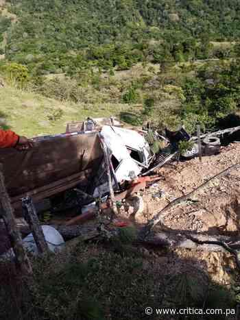 Dos muertos y tres heridos deja accidente en Gualaca - Crítica Panamá