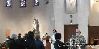 Messes déconfinées: une soixantaine de fidèles réunis en l'église Sainte Jeanne d'Arc à Nice ce dimanche