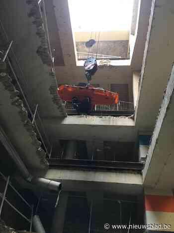 Spectaculaire redding van arbeider na metershoge val op bouwwerf