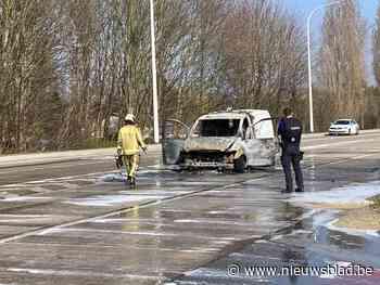 Bestuurder ernstig verbrand bij voertuigbrand