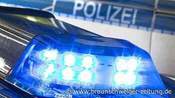 Einbrecher stehlen in Wolfsburg Traktor und Anhänger