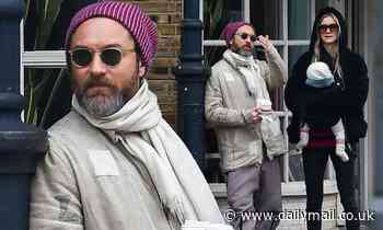 Jude Law, 48, steps out with wife Phillipa Coan, 36, and their baby to grab coffee - Daily Mail