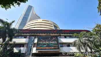Sensex gains 300 points, Nifty above 14,800; banks, IT stocks lead