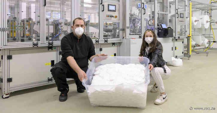 Heidelberg:  Näherinnen erhielten Einblick in FFP2-Produktion der Firma Oswald