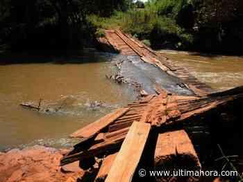 Los Aché quedan aislados tras caída del puente sobre el arroyo Ñacunday - ÚltimaHora.com