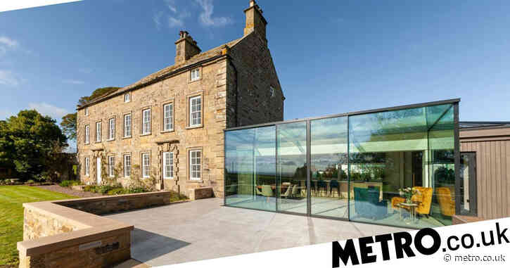 Family invites builders to move in to complete amazing renovation of 18th-century house