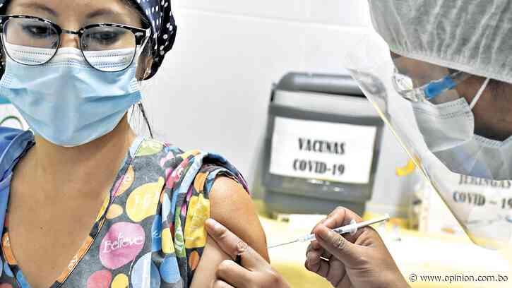 Todo el personal de salud de Cochabamba estará inmunizado en máximo dos semanas - Opinión Bolivia