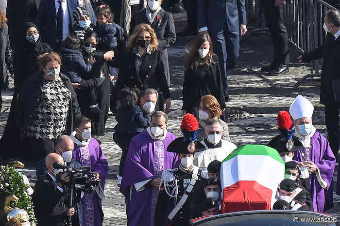 Congo: tricolori a Sonnino, domani funerali Iacovacci - Agenzia ANSA