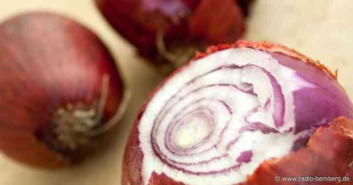 Zwiebel gegen Jalousie geworfen: 3000 Euro Schaden