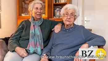 99-jährige Wolfsburgerin freut sich nach Corona-Impfung