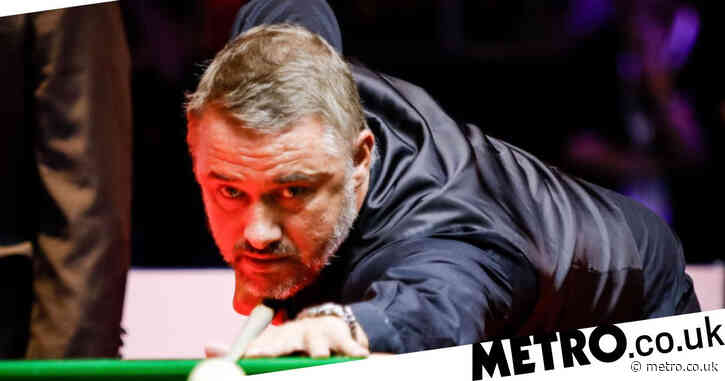 Stephen Hendry makes century but beaten by Matt Selt on snooker comeback