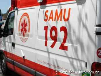 Dois ficam feridos após caminhão tombar em Ibatiba - Jornal FATO