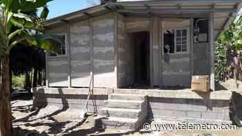 Construyen 42 soluciones habitacionales en Alanje y Barú para familias afectadas por el huracán ETA - Telemetro