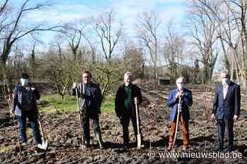 """Park Esenkasteel breidt uit met 1.600 bomen: """"Meer groen voor bewoners van de stadsrand"""""""