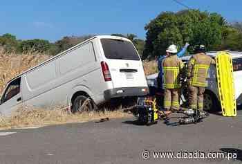 Siete heridos deja colisión entre panel y camioneta en Guararé - Día a día