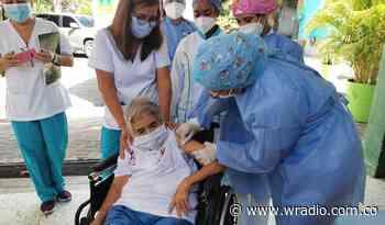 Montería y Cereté iniciaron con la vacunación de la población mayor de 80 años - W Radio