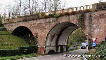 Calcinacci dal ponte ferroviario di via De Gasperi: allarme ad Albizzate - MALPENSA24 - malpensa24.it