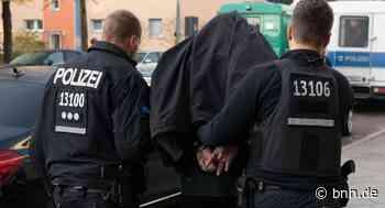 Mann geht auf Polizisten los Zwei verletzte Polizeibeamte nach Festnahme in Oberhausen-Rheinhausen von unserer Redaktion - BNN - Badische Neueste Nachrichten