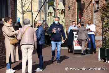 Politie tikt koffiedrinkende gepensioneerden op de vingers