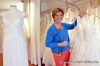 """Verkoop van trouwjurken daalt fors en toch blijft deze zaakvoerder Birgit positief: """"Mensen maken sneller van kleine momenten iets groots"""""""