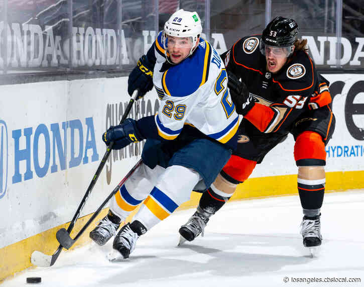 Power Play Sends Blues To 3-2 Win Over Skidding Ducks