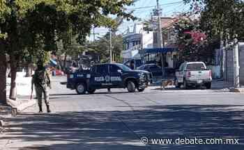 Policías y militares sitian calles de la colonia Guadalupe Victoria en Culiacán - Debate