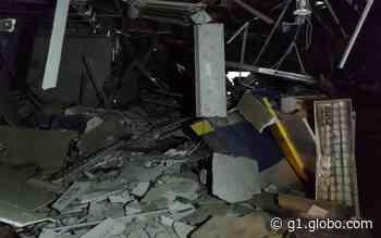 Criminosos explodem agência bancária e atiram contra viatura da PM em Pacatuba - G1