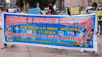 Comerciantes de la avenida Abancay protestaron en la plaza principal de Juliaca - Radio Onda Azul