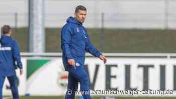 Bundesliga-Freitagsspiel: Schalke-Trainer Grammozis muss auf neun Spieler verzichten