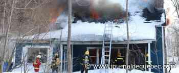 [PHOTOS] Île d'Orléans: une maison détruite par un violent incendie