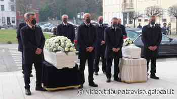 La tragedia di Castello di Godego, due bare bianche e un unico grande dolore - la tribuna di Treviso