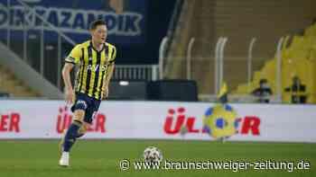 Ex-Nationalspieler: Bänder beschädigt und Ödeme: Özil fehlt Fenerbahce vorerst
