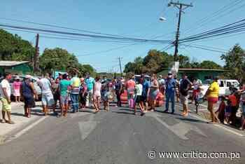 Residentes de Boca de Parita se cansaron de la falta de agua y protestaron - Crítica Panamá