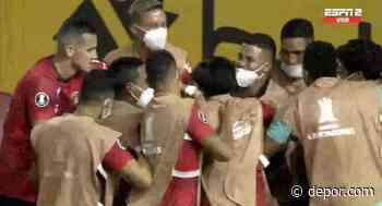 Tras terrible error de Rios en salida: Richard Celis anotó el 2-0 definitivo entre Caracas vs. César Vallejo - Diario Depor