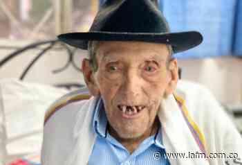 Vacunan a un anciano de 115 años en Apulo, Cundinamarca - La FM
