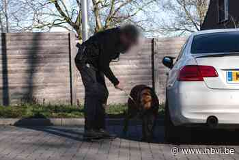 Gestolen BMW teruggevonden in Veldwezelt na achtervolging vanuit Nederland