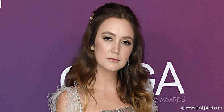 Billie Lourd Will Star in 'Ticket to Paradise' With George Clooney & Julia Roberts!