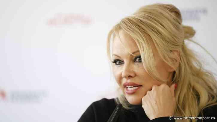 Pamela Anderson Sells Malibu Mansion, Will Live On Vancouver Island